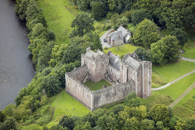 Built in the late 1300s Doune Castle is a so-called courthouse castle, which is obvious in this bird eye's view.