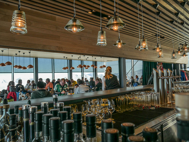 Apart from gourmet cuisine, the restaurant prides itself on itsPino 3000 - a wine made by three different vineyards and matured in oak barrels on the summit of the Gaislachkogl.