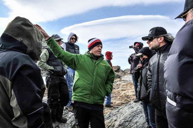 Jared talking location specifics with Andy Serkis, 2nd Unit Director of The Hobbit - An Unexpected Journey.