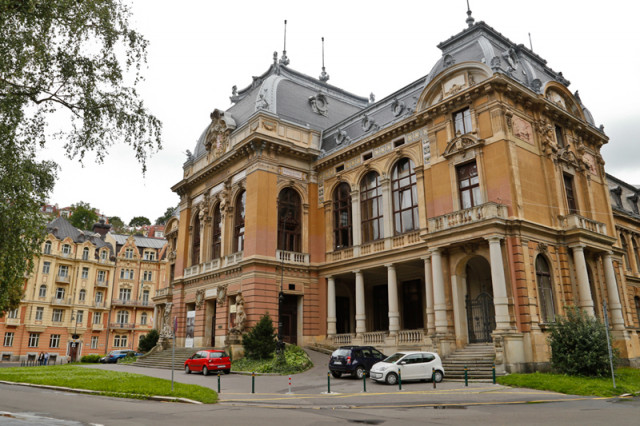 Karlovy Vary's former spa house Laznie 1 was used as the casino in Casino Royale.