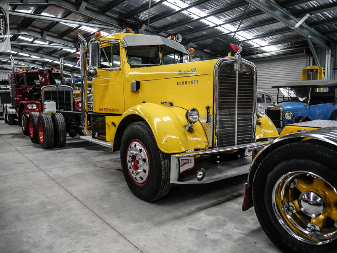 The collection is housed in a purpose-built hangar and displays around thirty trucks and vintage cars.