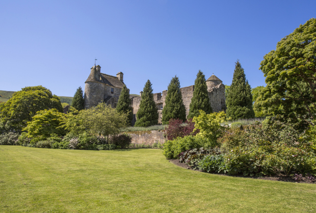 Historically the village is known for its Falkland Palace, the country residence of the Stewart kings and queens and a favourite place of Mary Queen of Scots.