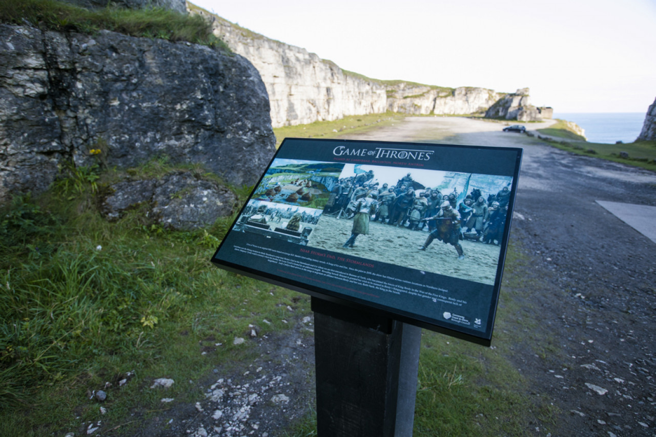 Looking towards the quarry. The photo board in the foreground depicts the fighting scene with Brienne of Tarth.