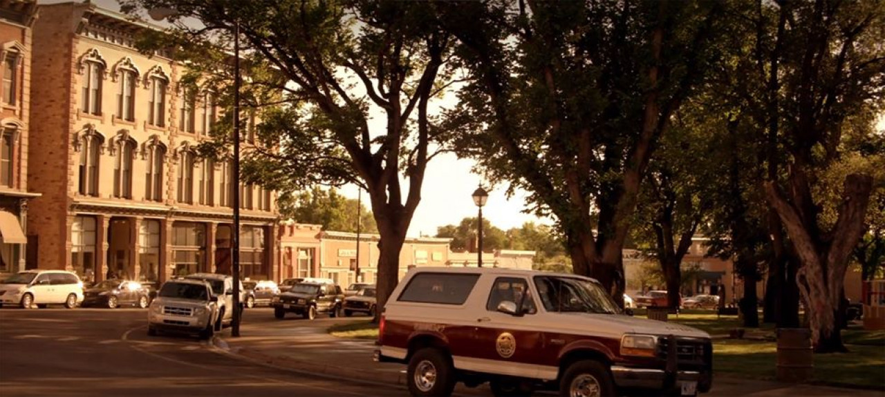 You might even find a park in Walt's usual spot on the plaza. Here,Walt's Bronco is parked in front of the hotel.