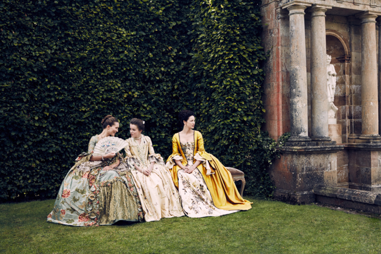 Claire and her confidants Louise de Rohan and Mary Hawkins at Versaille.