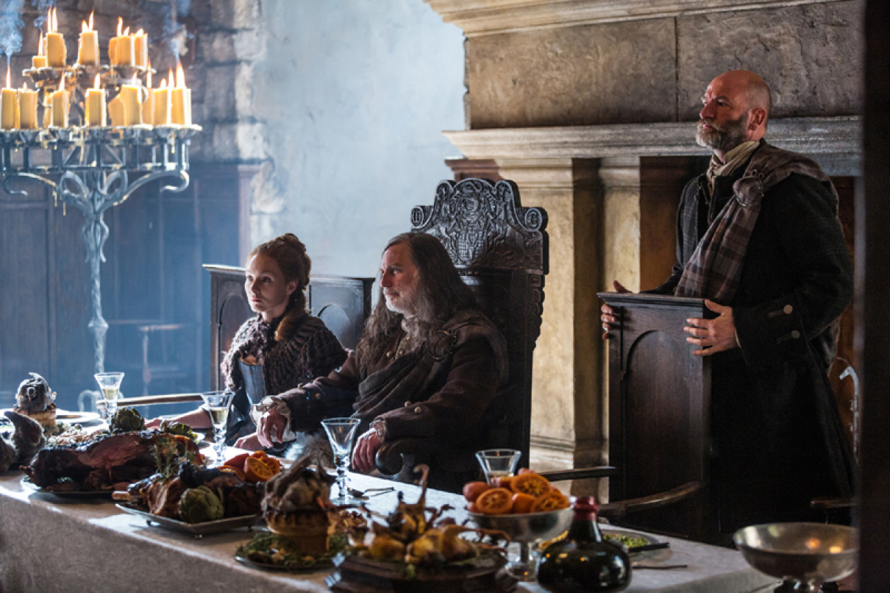 Colum is seated in the middle, on the right his brother Dougal. The interior scenes were shot in the studio.