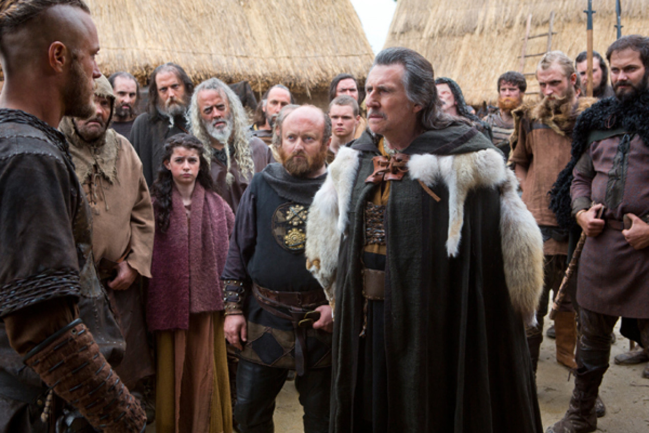 In season 1, Ragnar starts out as an unknown farmer and challenges the ruling Earl, Haraldson.