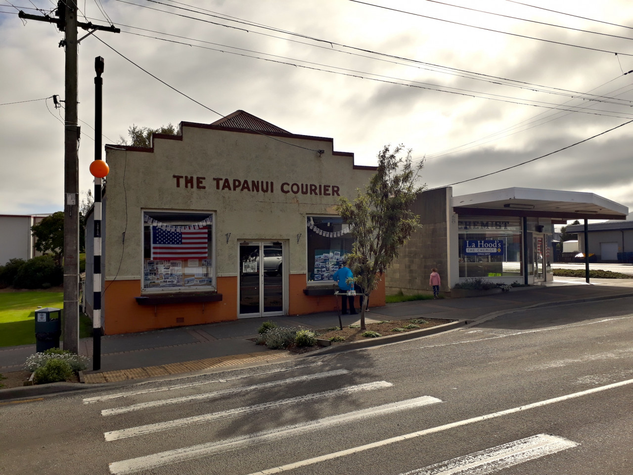 ...and the old Tapanui Courier building...