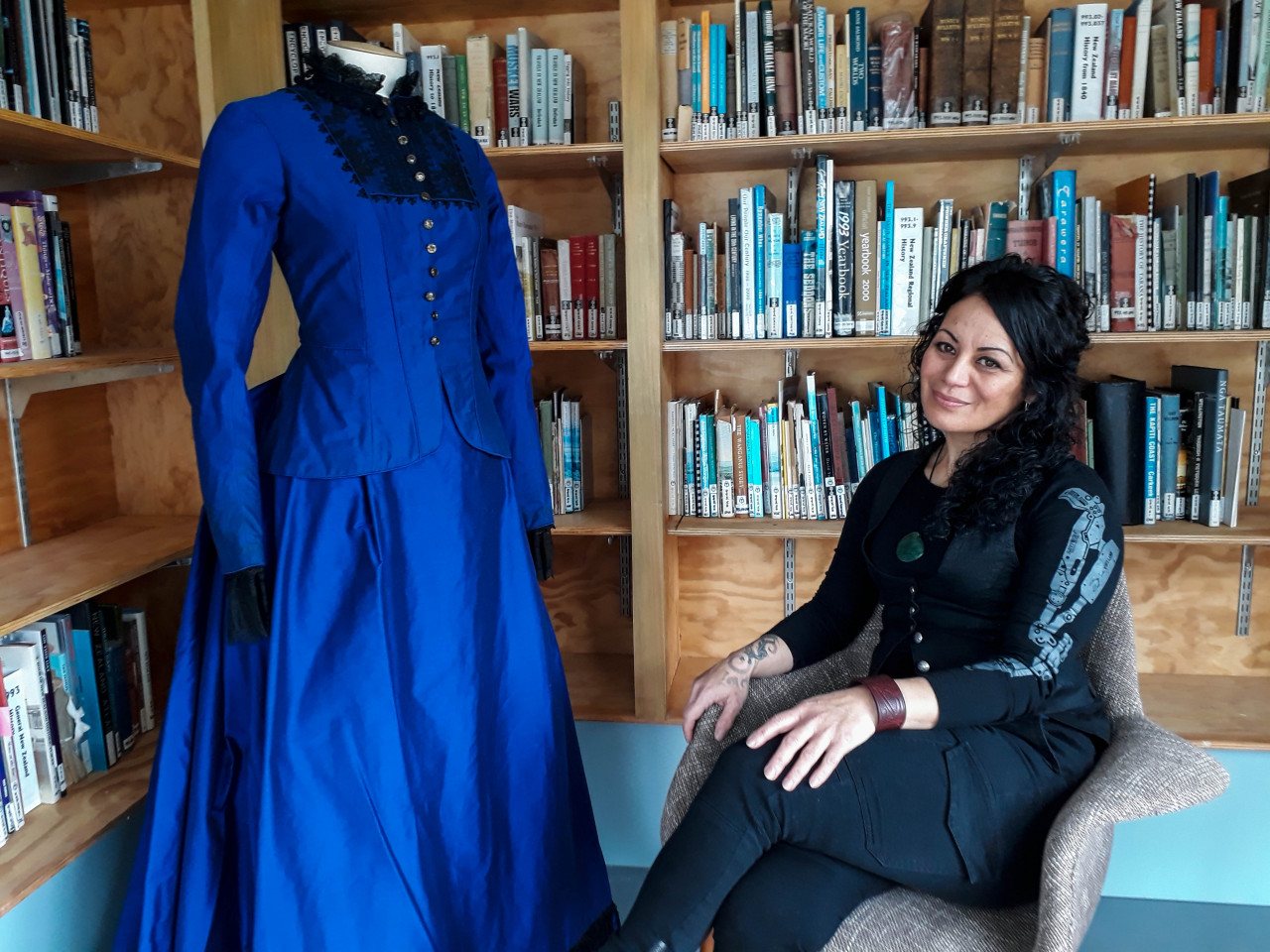 I interviewed Lee Williams in the research library of the Whanganui Regional Museum. The museum's curator, Trish Nugent-Lyne, was kind enough to set up one of the original dresses that Samantha Morton wore in River Queen.