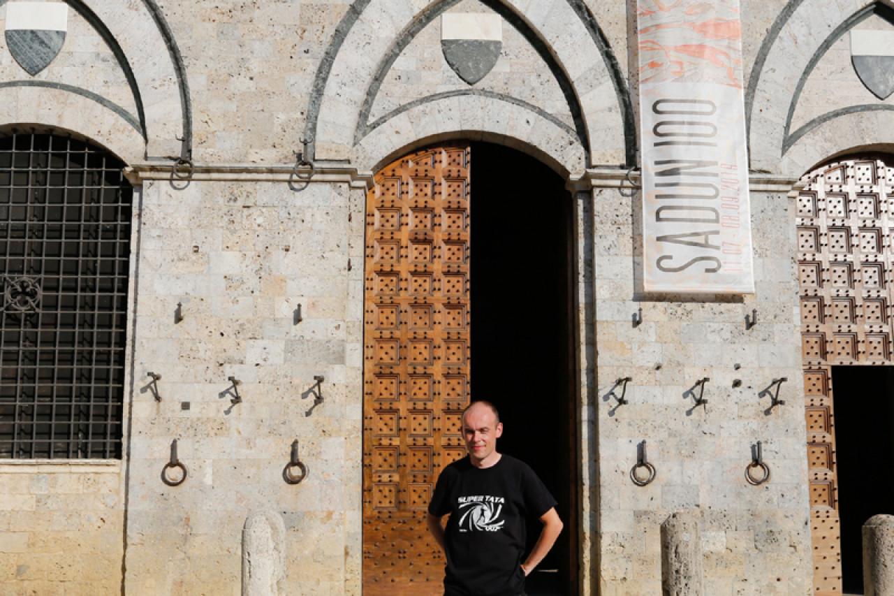 Piotr on location in Siena.