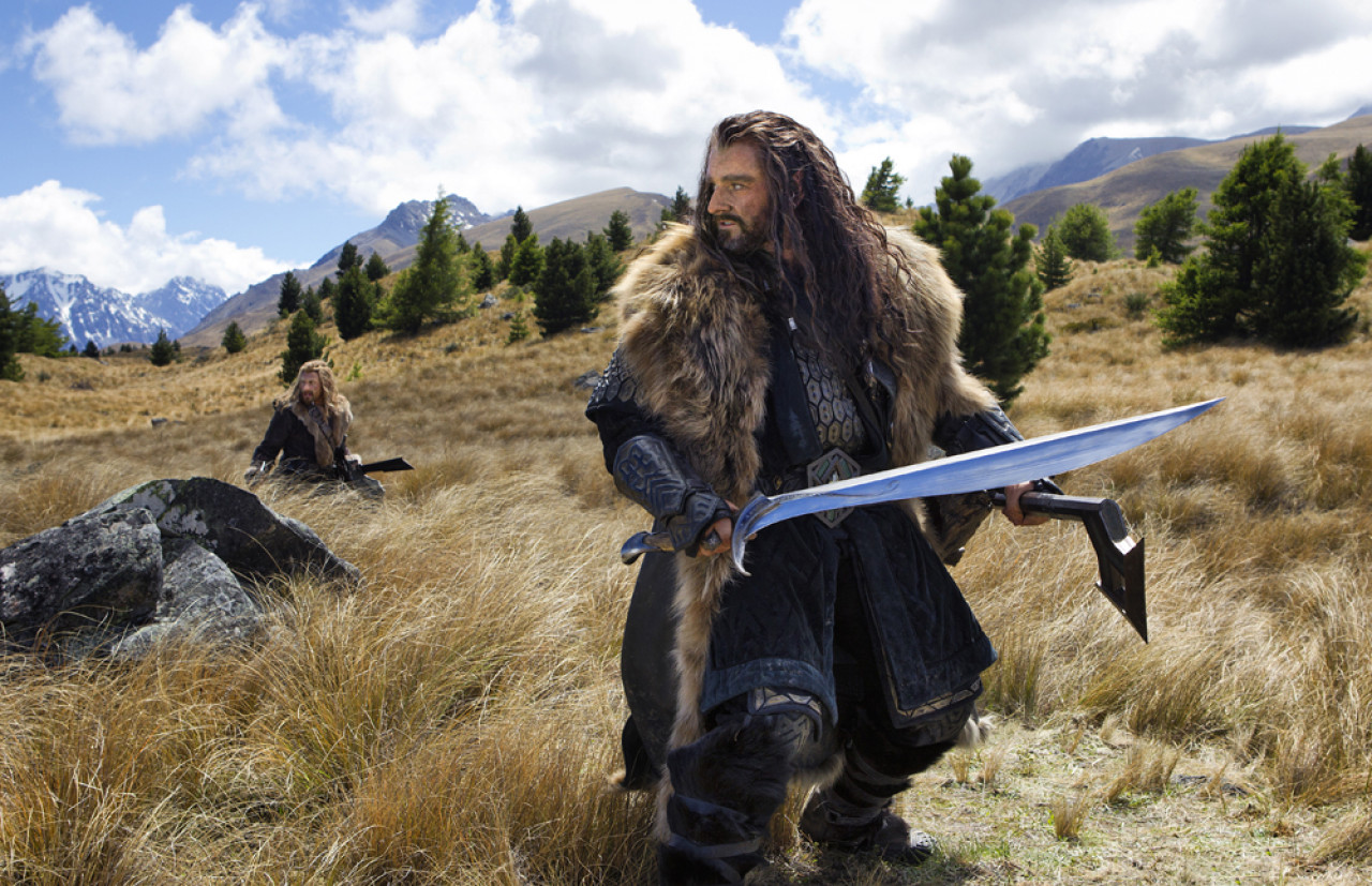 Thorin Oakenshield and his companions are chased by a pack of orc hunters.